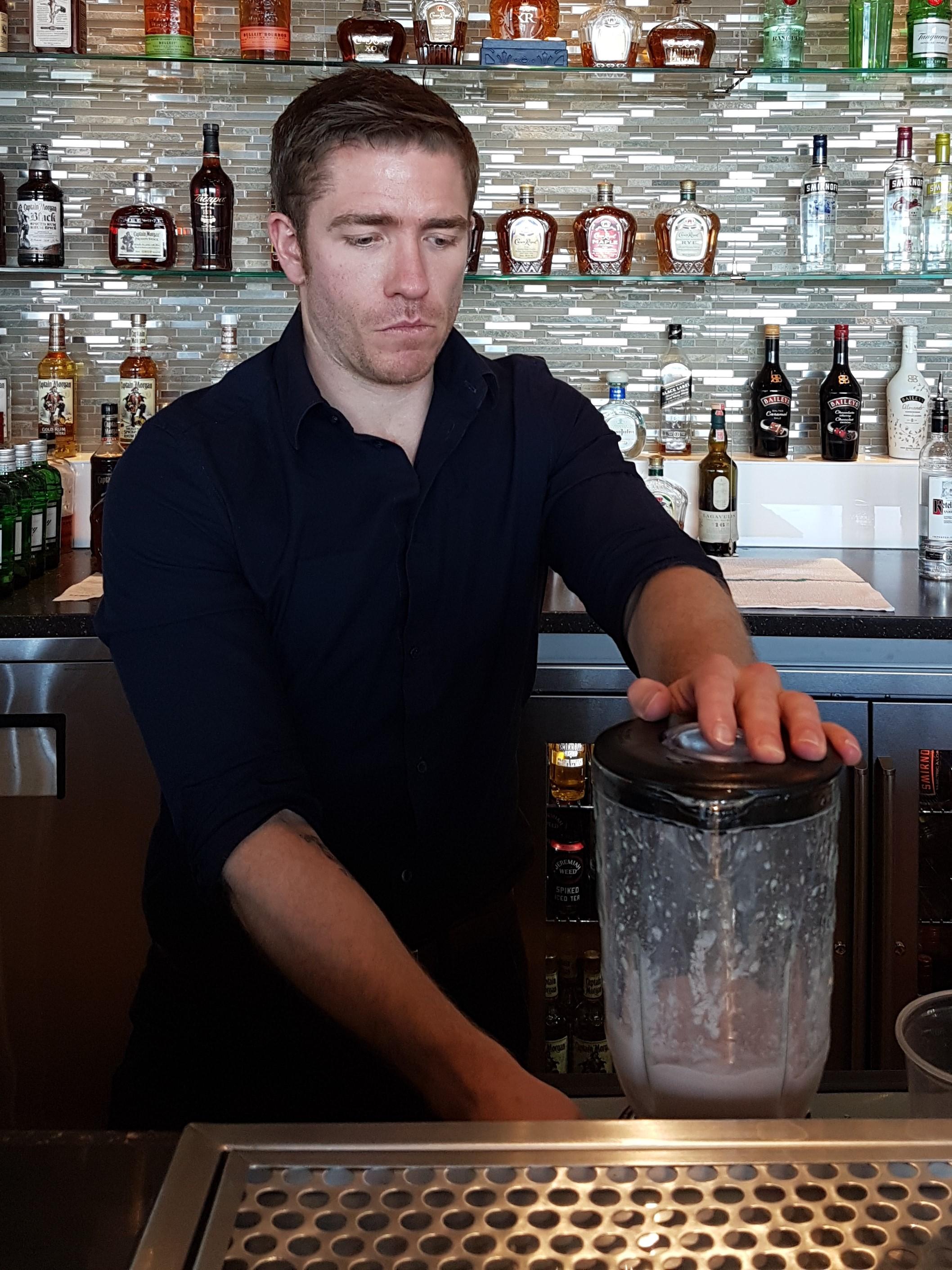 Simon Hooper Diageo DoTheDaniel.com Summer Cocktails