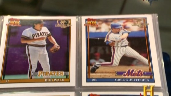 What Happens When Mets Baseball Cards Appear On Pawn Stars