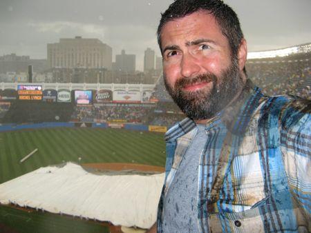 yankee stadium reds rain delay