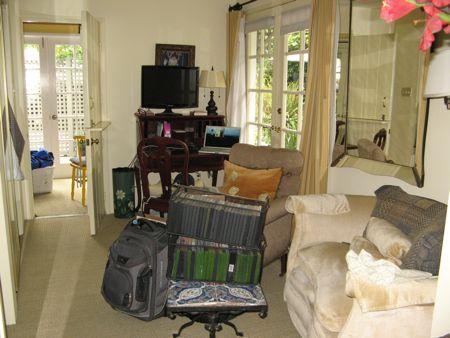laguna_apartment_living
