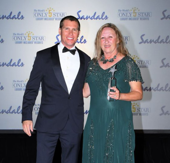 Toni Goss Recieving STAR award 2019