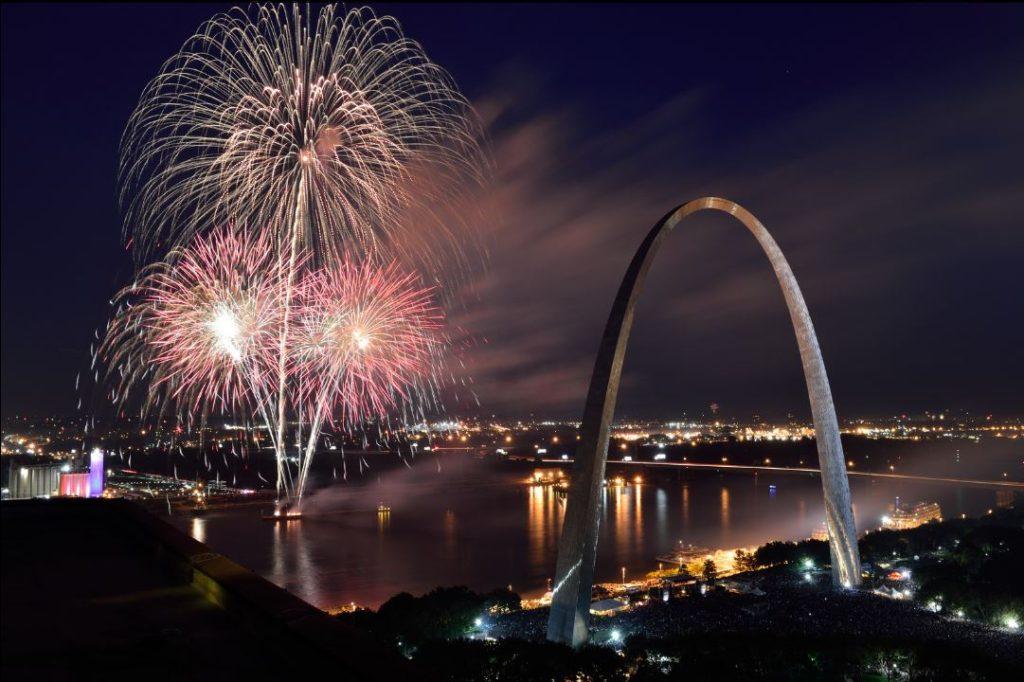 arch-fireworks