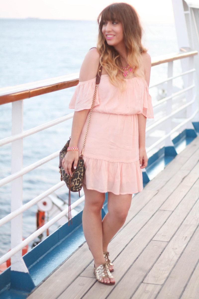 Nordstrom Rack dress, Kendra Scott jewelry (16 of 20)