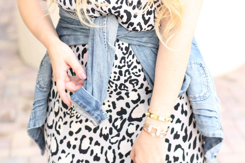 Topshop leopard shift dress, Converse white Shoreline sneaker, JCrew jean jacket, Topshopo felt fedora (13 of 13)