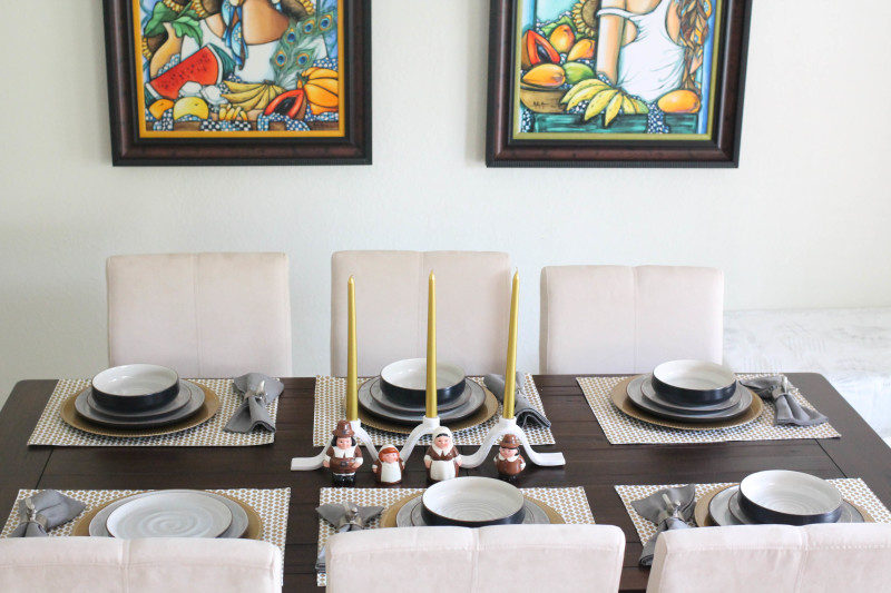 Miami lifestyle blogger Stephanie Pernas of A Sparkle Factor shares tips on hosting Friendsgiving dinner