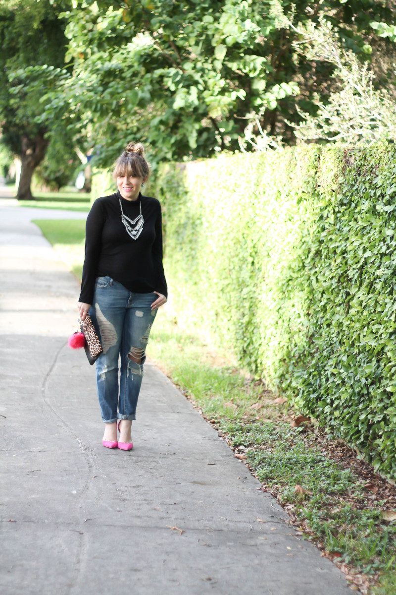 How to style a turtleneck and boyfriend jeans