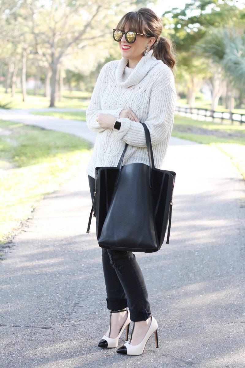 Turtleneck sweater, distressed black jeans, cap toe pumps-4