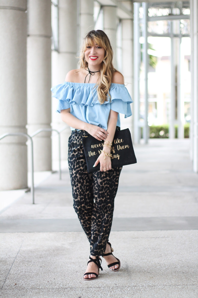choies-chambray-off-the-shoulder-top-old-navy-harper-pant-2-of-10