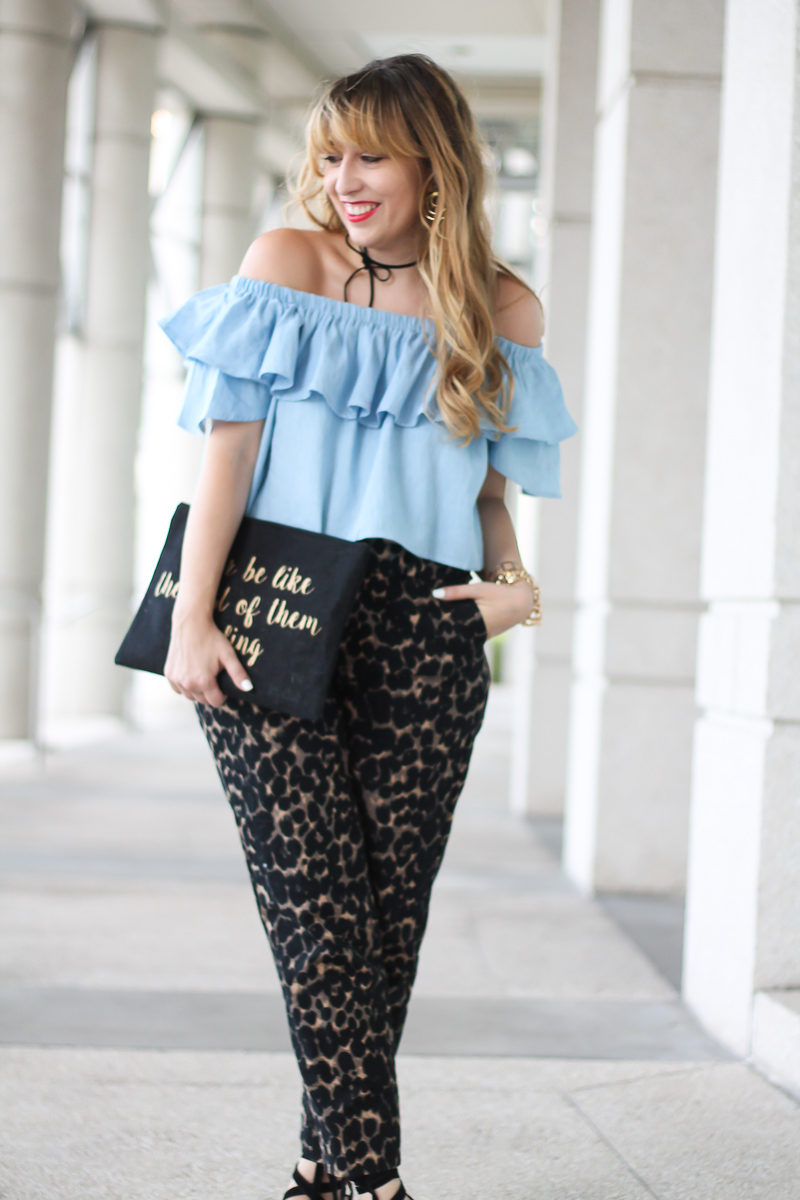 choies-chambray-off-the-shoulder-top-old-navy-harper-pant-4-of-10