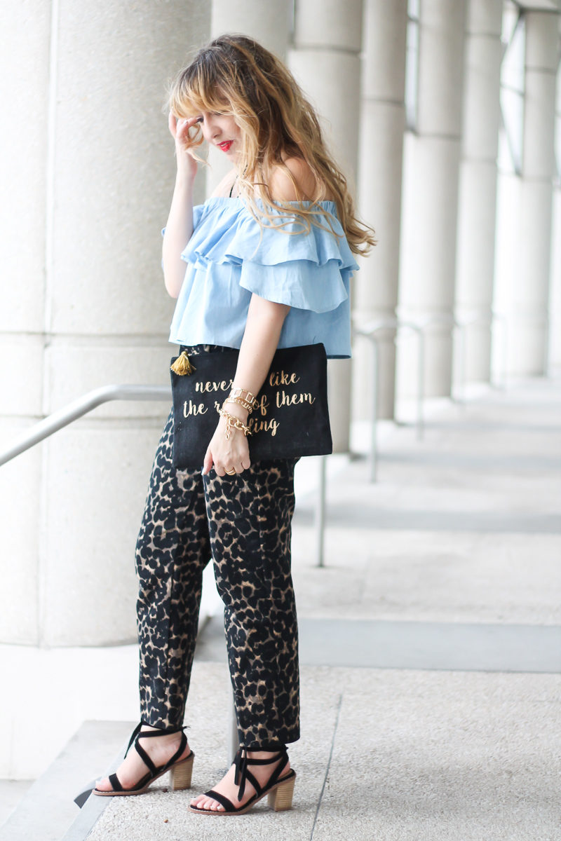 choies-chambray-off-the-shoulder-top-old-navy-harper-pant-5-of-10
