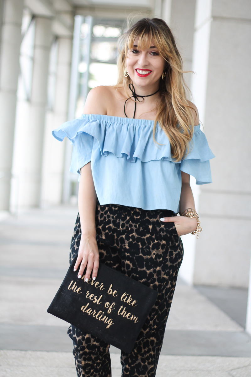 choies-chambray-off-the-shoulder-top-old-navy-harper-pant-7-of-10