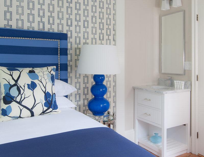 Queen bed at 76 Main in Nantucket