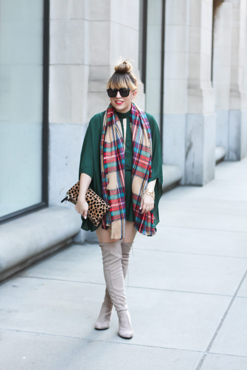 Miami fashion blogger styles an easy Christmas inspired look.