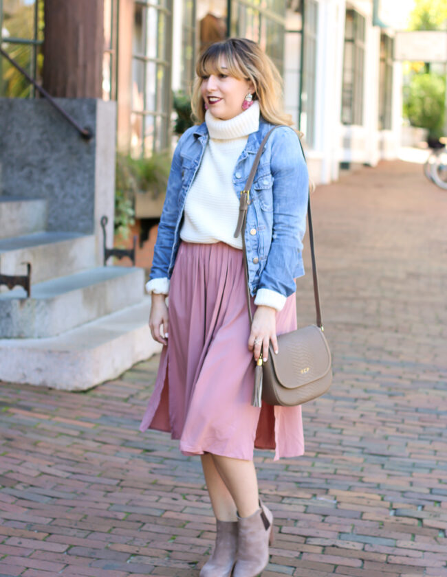 pink-midi-skirt-with-white-turtleneck-sweater-and-jean-jacket-3-of-9