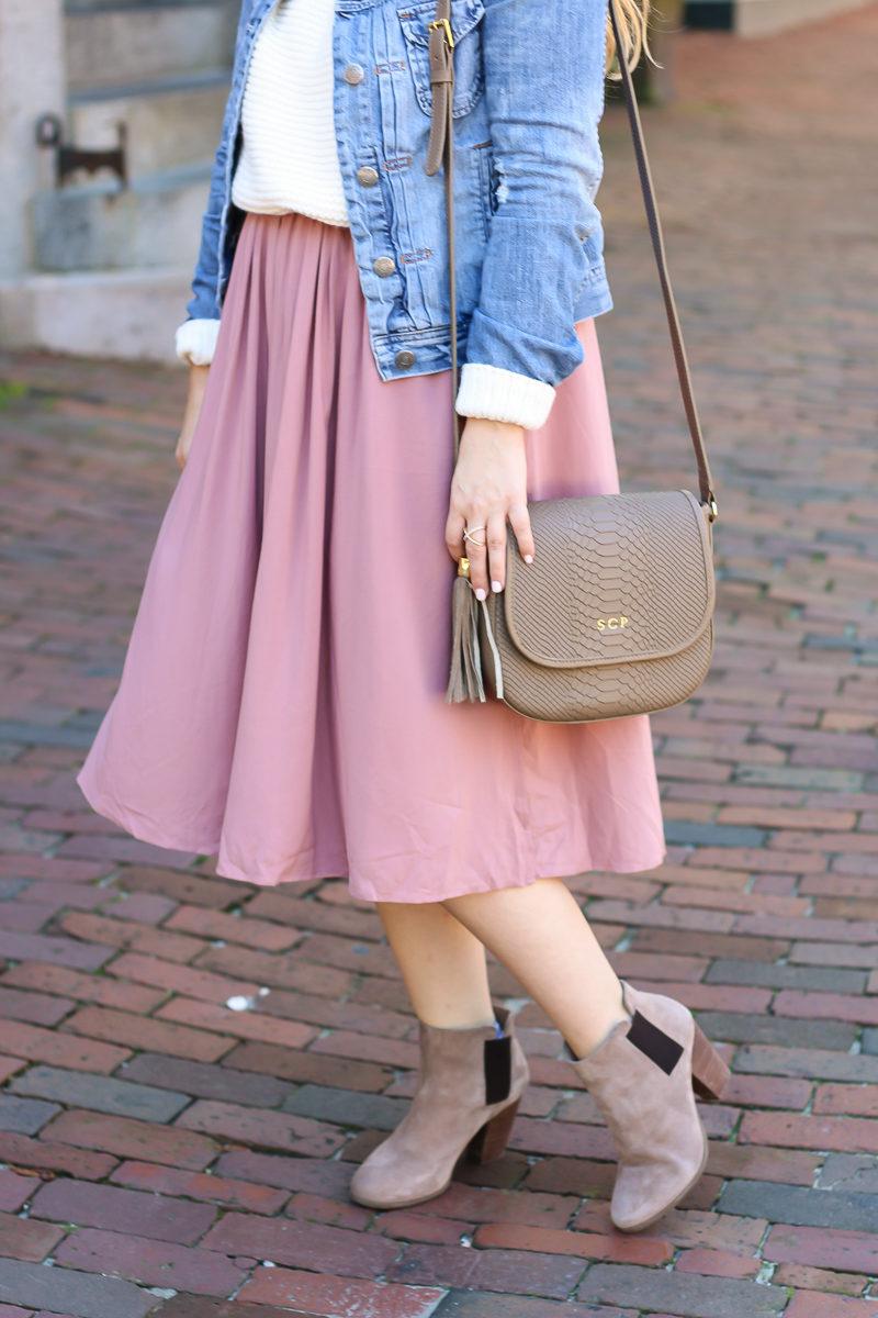 Miami fashion blogger Stephanie Pernas styles Sole Society Lylee booties with a GiGi New York Kelly Saddle bag.