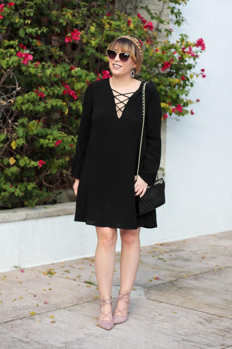 Stylish shift dress fall outfit idea