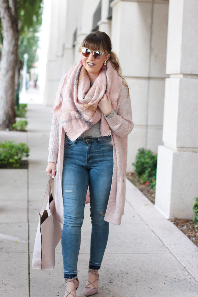 Miami fashion blogger Stephanie Pernas of A Sparkle Factor shares a blush fall outfit idea