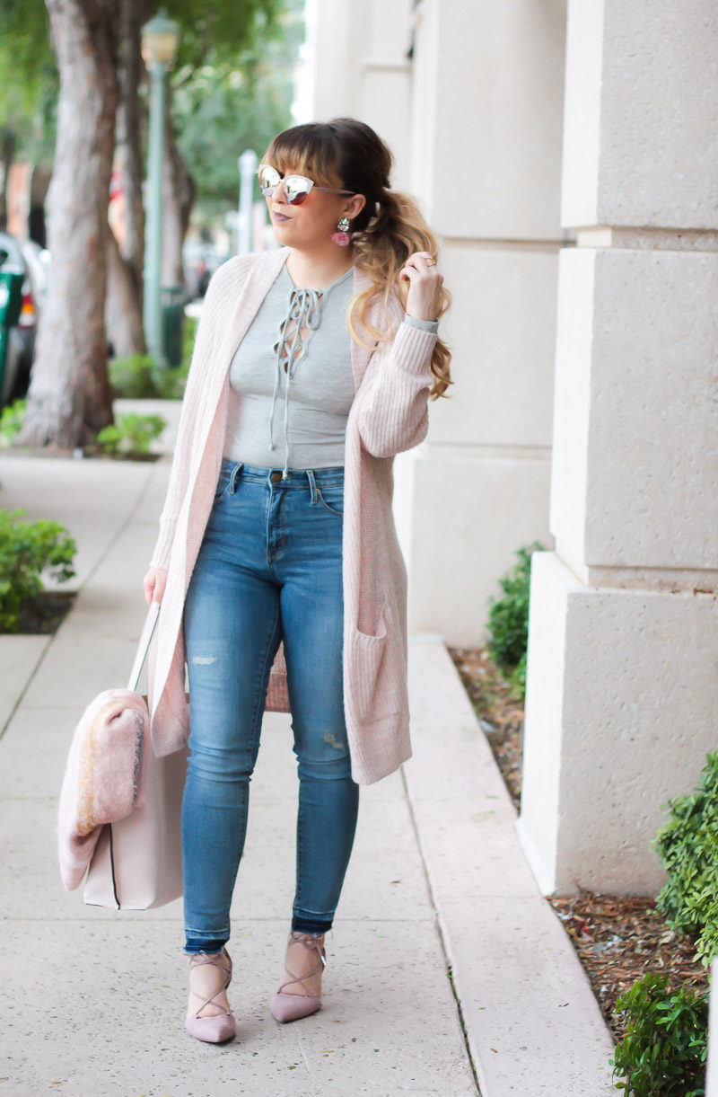 Miami fashion blogger Stephanie Pernas of A Sparkle Factor wearing casual blush and gray outfit