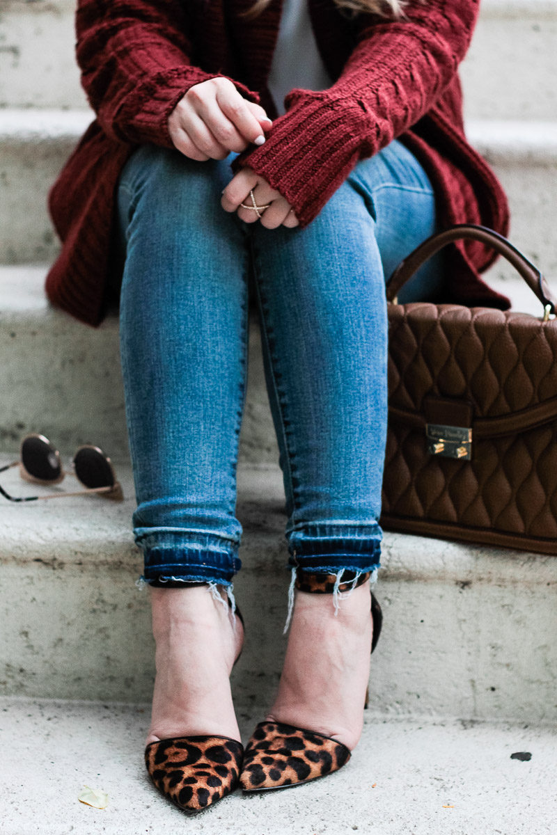 Miami fashion blogger Stephanie Pernas of A Sparkle Factor wearing jeans and leopard pumps