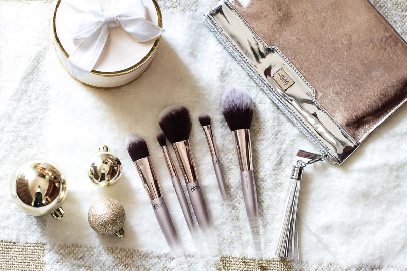 IT Cosmetics for ULTA City Chic brush set