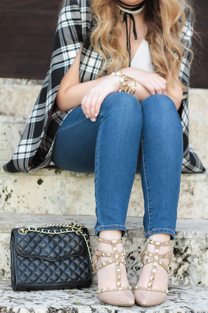 Miami fashion blogger Stephanie Pernas wearing Sole Society Tiia pumps, the perfect Valentino Rockstud dupe for under $100.