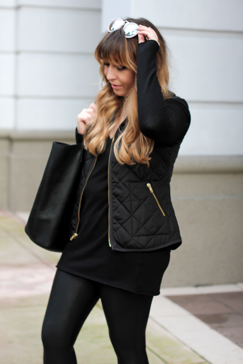 Miami fashion blogger Stephanie Pernas wearing a casual leather legging outfit