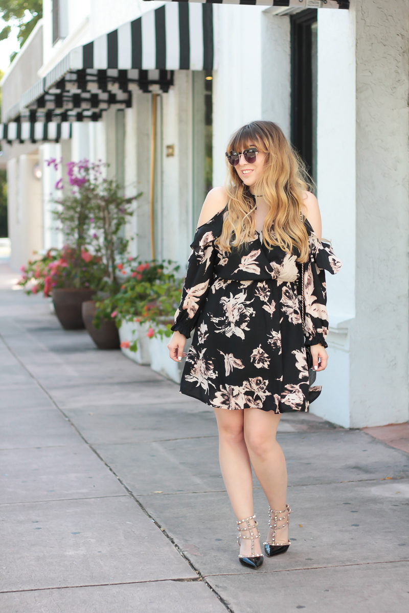 Miami fashion blogger Stephanie Pernas wearing a cute floral dress for spring
