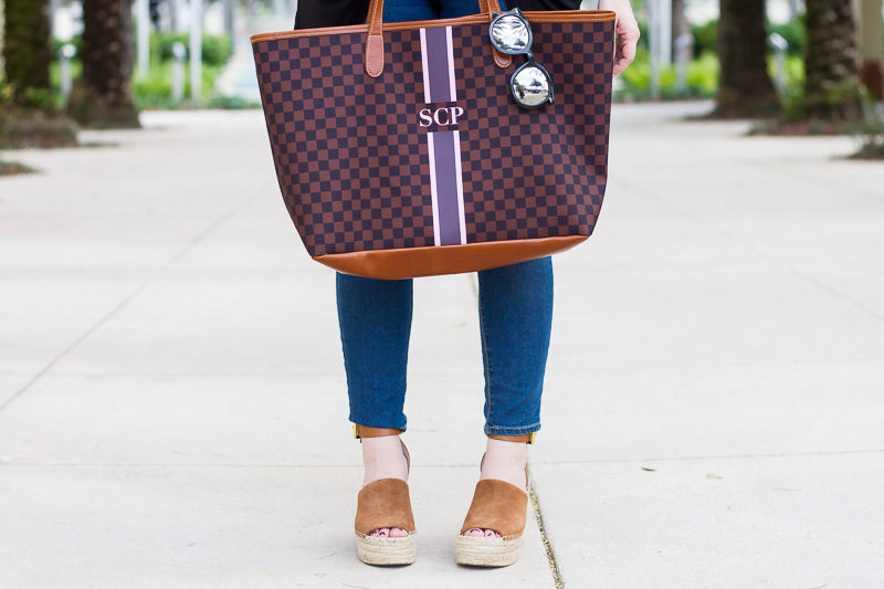Miami fashion blogger Stephanie Pernas of A Sparkle Factor styles Marc Fisher Adalyn wedges with a Barrington Gifts St Anne tote