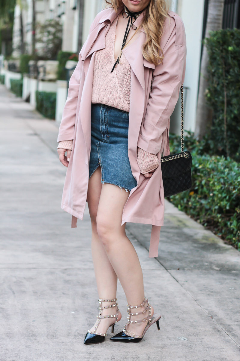 Miami fashion blogger Stephanie Pernas of A Sparkle Factor styling a casual monochromatic blush outfit for Valentine's Day