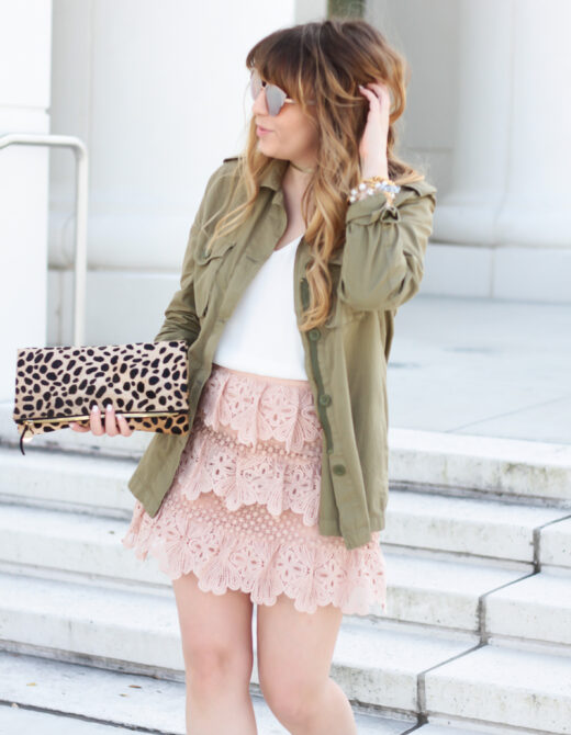 Girly utility jacket outfit idea
