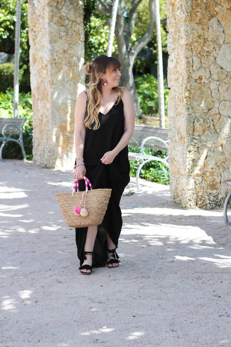 Miami fashion blogger Stephanie Pernas sharing a spring break outfit idea