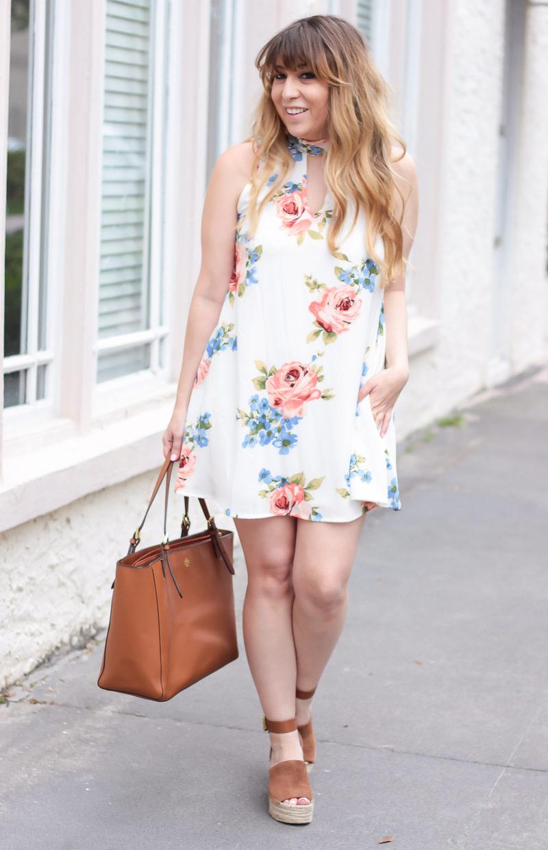 Miami fashion blogger Stephanie Pernas styling a pretty spring dress