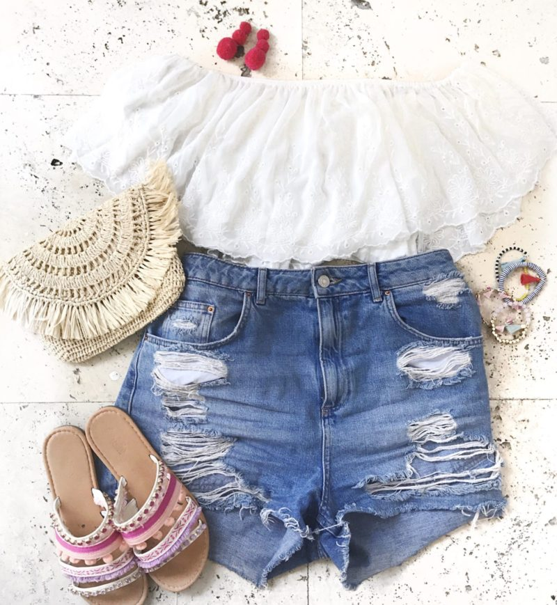 Miami fashion blogger Stephanie Pernas shares a tropical vacation outfit flatlay