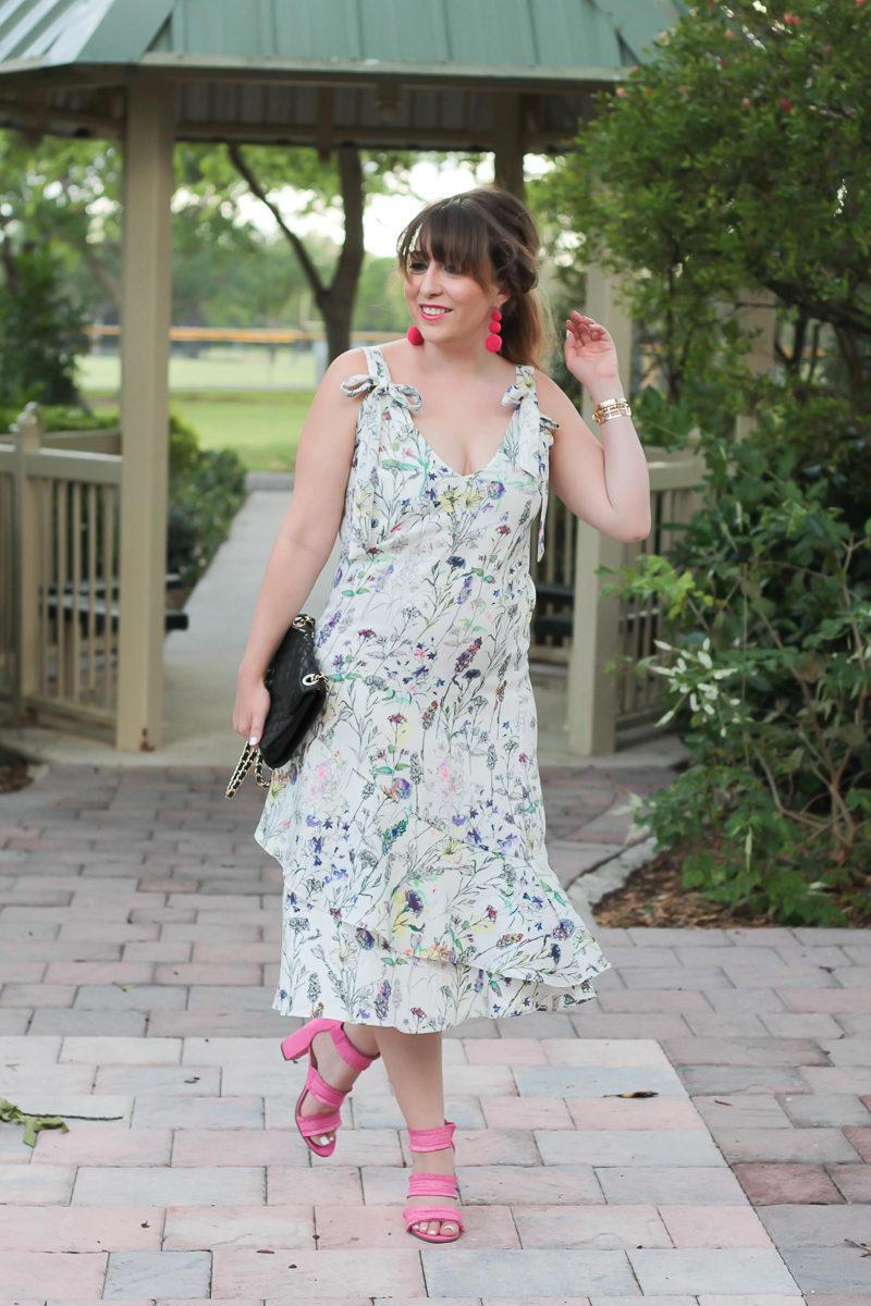Miami fashion blogger Stephanie Pernas styles a pretty spring dress outfit idea