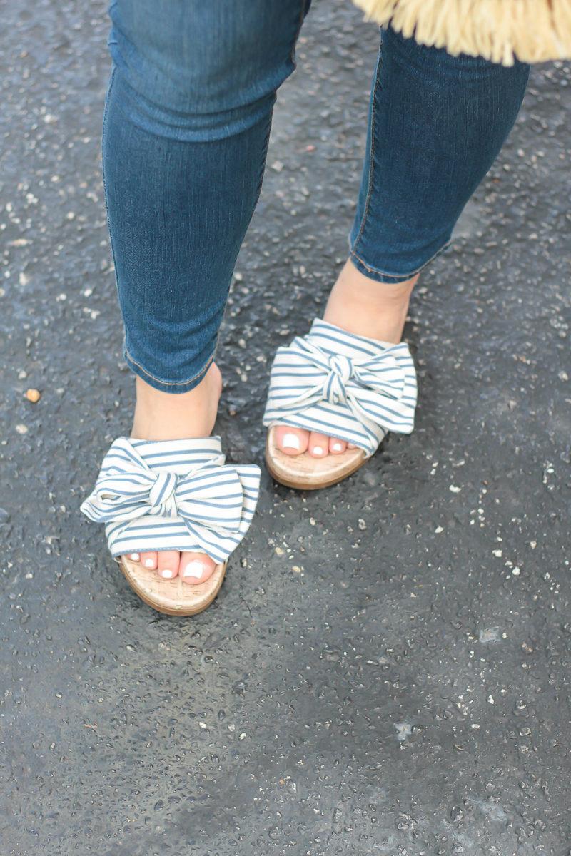 Miami fashion blogger Stephanie Pernas wearing Sam & Libby bow slides