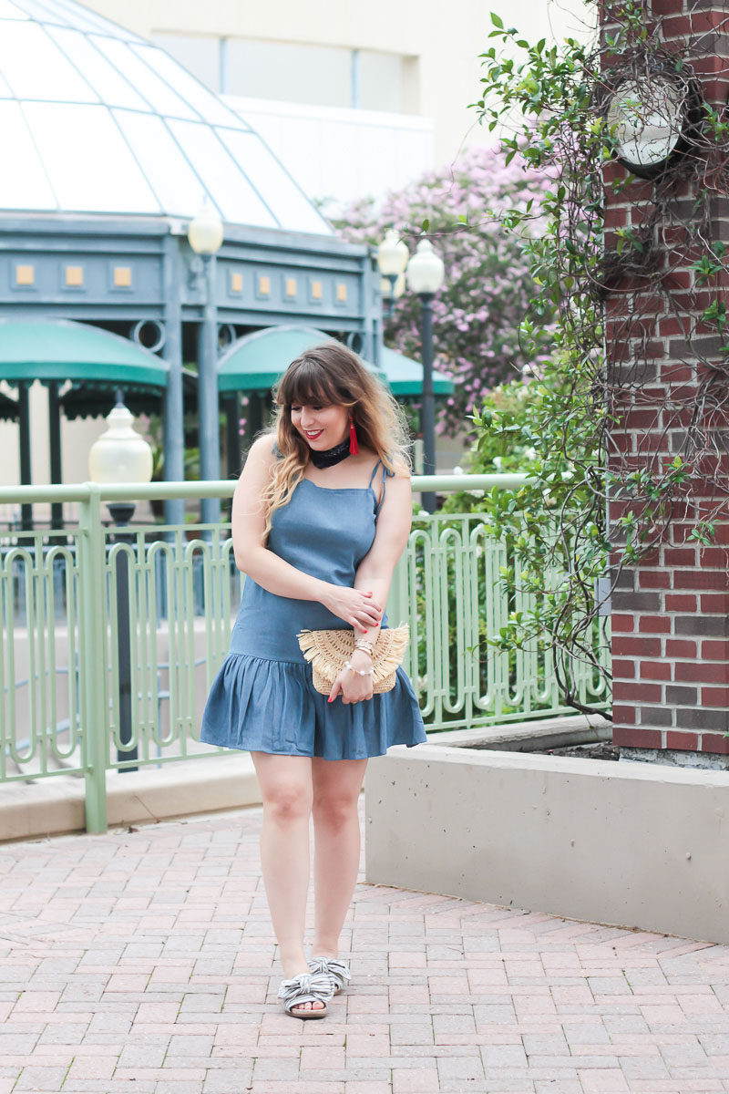 Miami fashion blogger Stephanie Pernas styles a bandana and a chambray dress for a cute 4th of July outfit idea