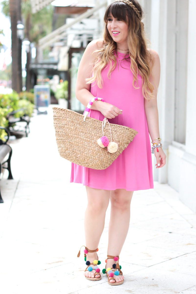 Miami fashion blogger Stephanie Pernas wearing a sleeveless swing dress from Old Navy