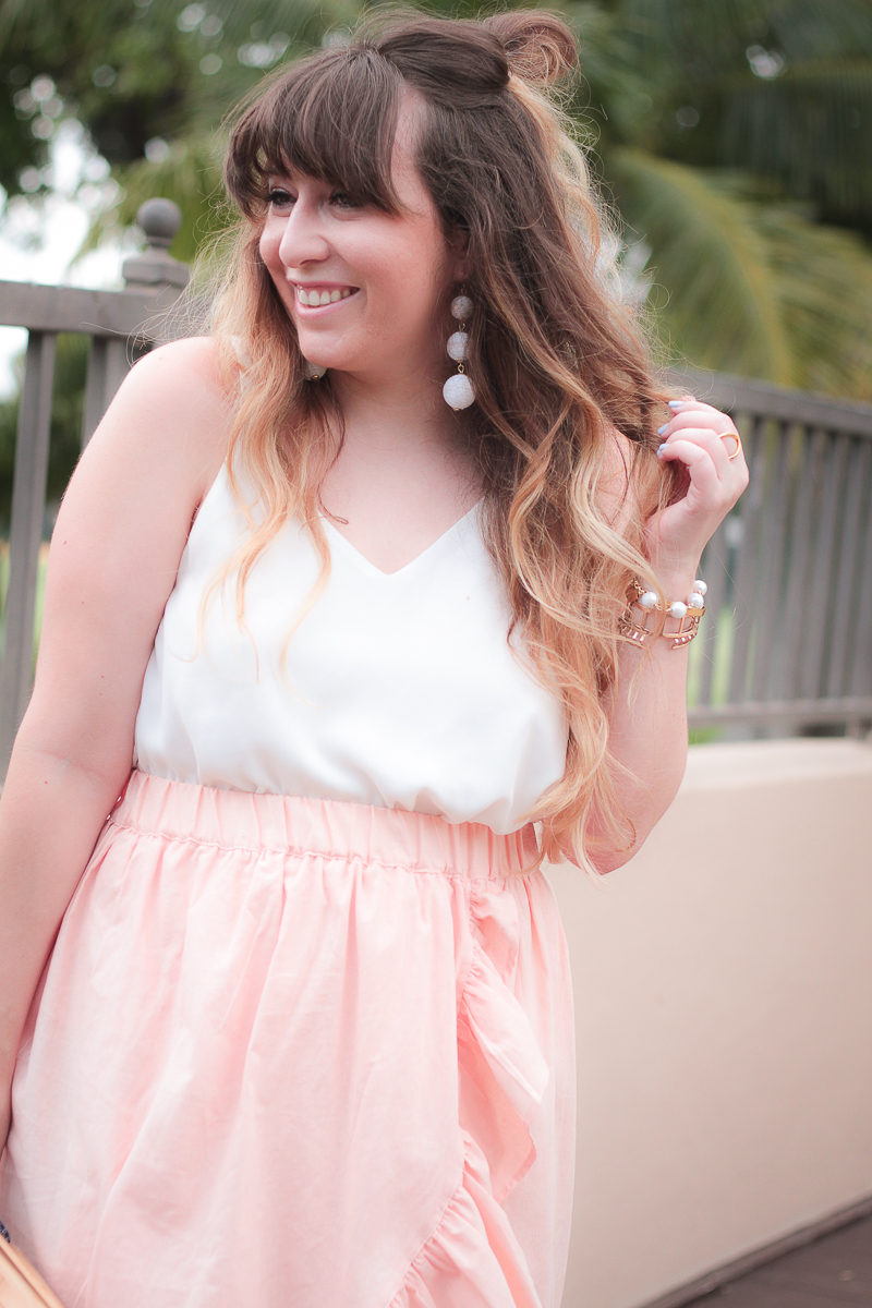 Miami fashion blogger Stephanie Pernas wearing Baublebar Crispin Drops earrings