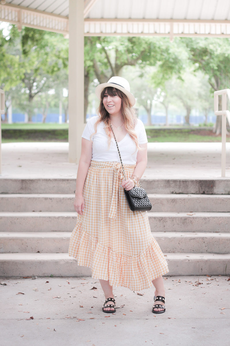 Miami fashion blogger Stephanie Pernas wearing an ASOS gingham maxi skirt