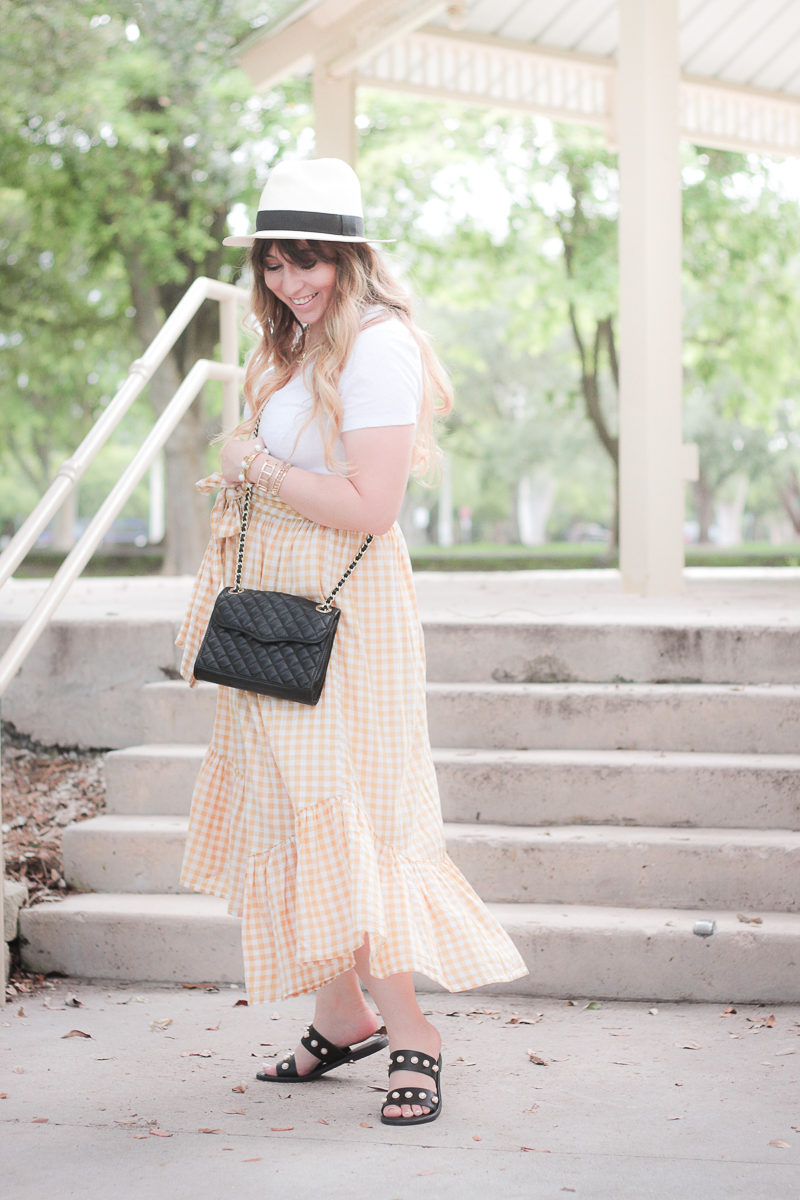 Miami fashion blogger Stephanie Pernas wearing an ASOS ruffled maxi skirt