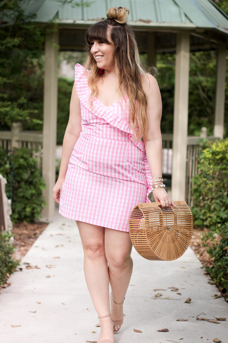 Miami fashion blogger Stephanie Pernas wearing an ASOS pink gingham dress for summer