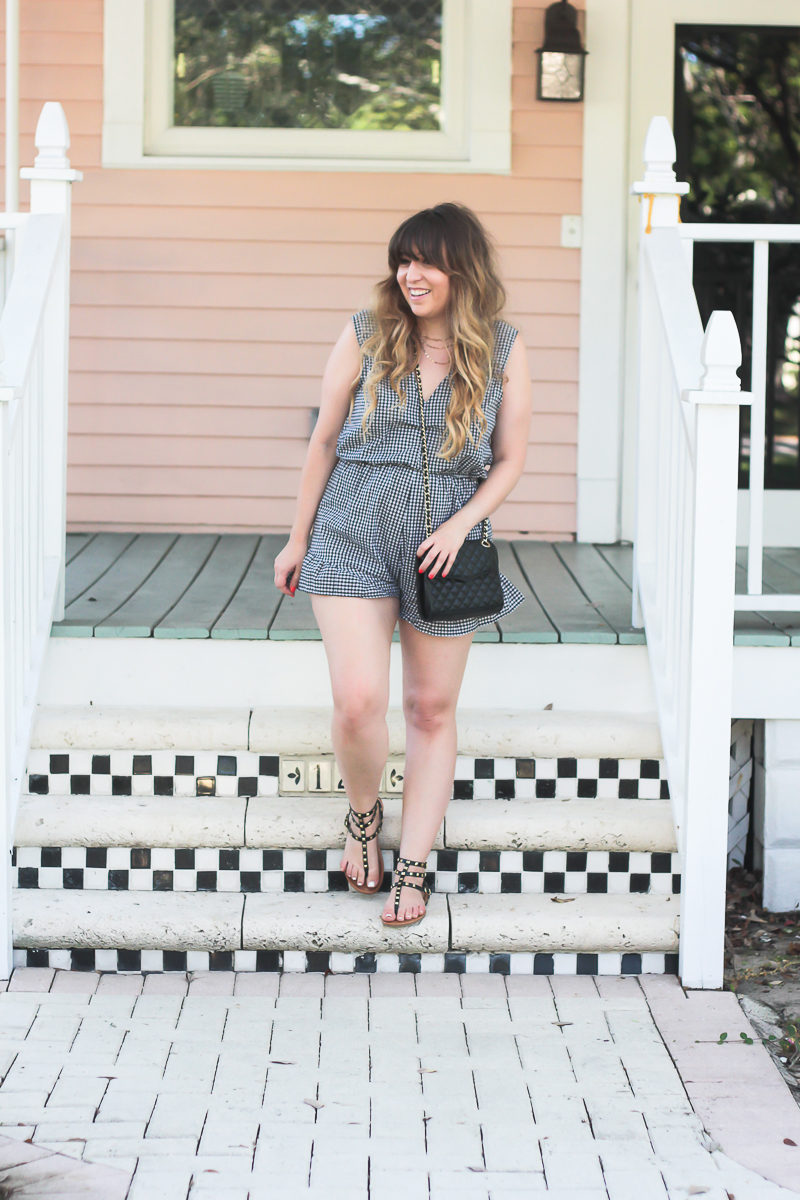 Gingham romper outfit idea for women worn by Miami fashion blogger Stephanie Pernas