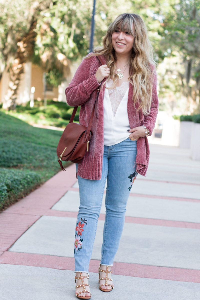 Cardigan and jeans outfit idea for fall
