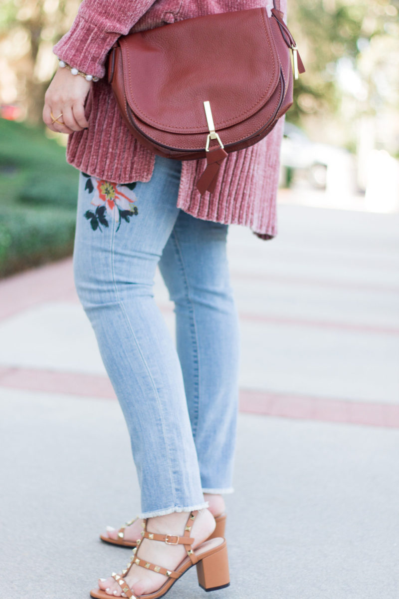 Floral jeans and cozy cardigan outfit