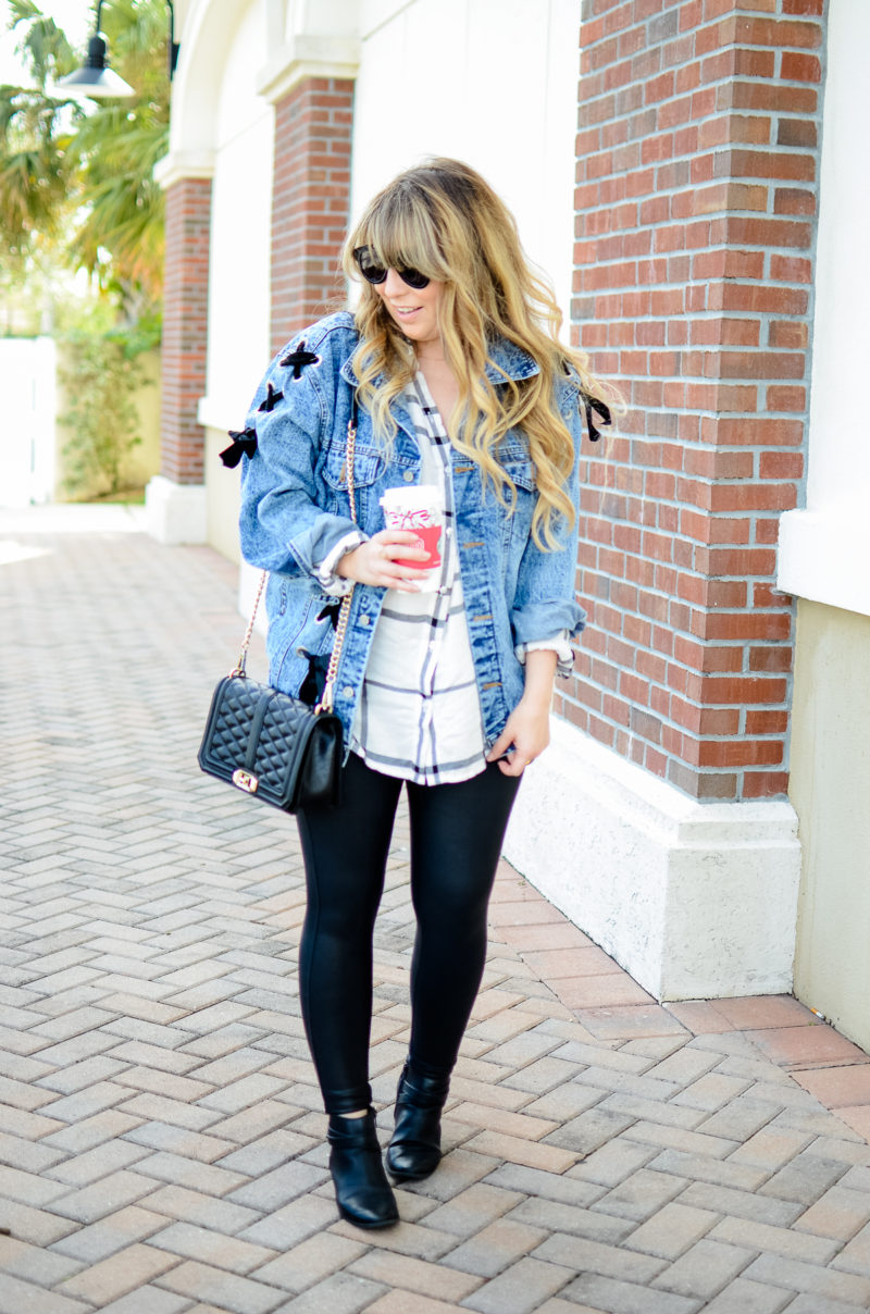 Jean jacket and leather leggings outfit