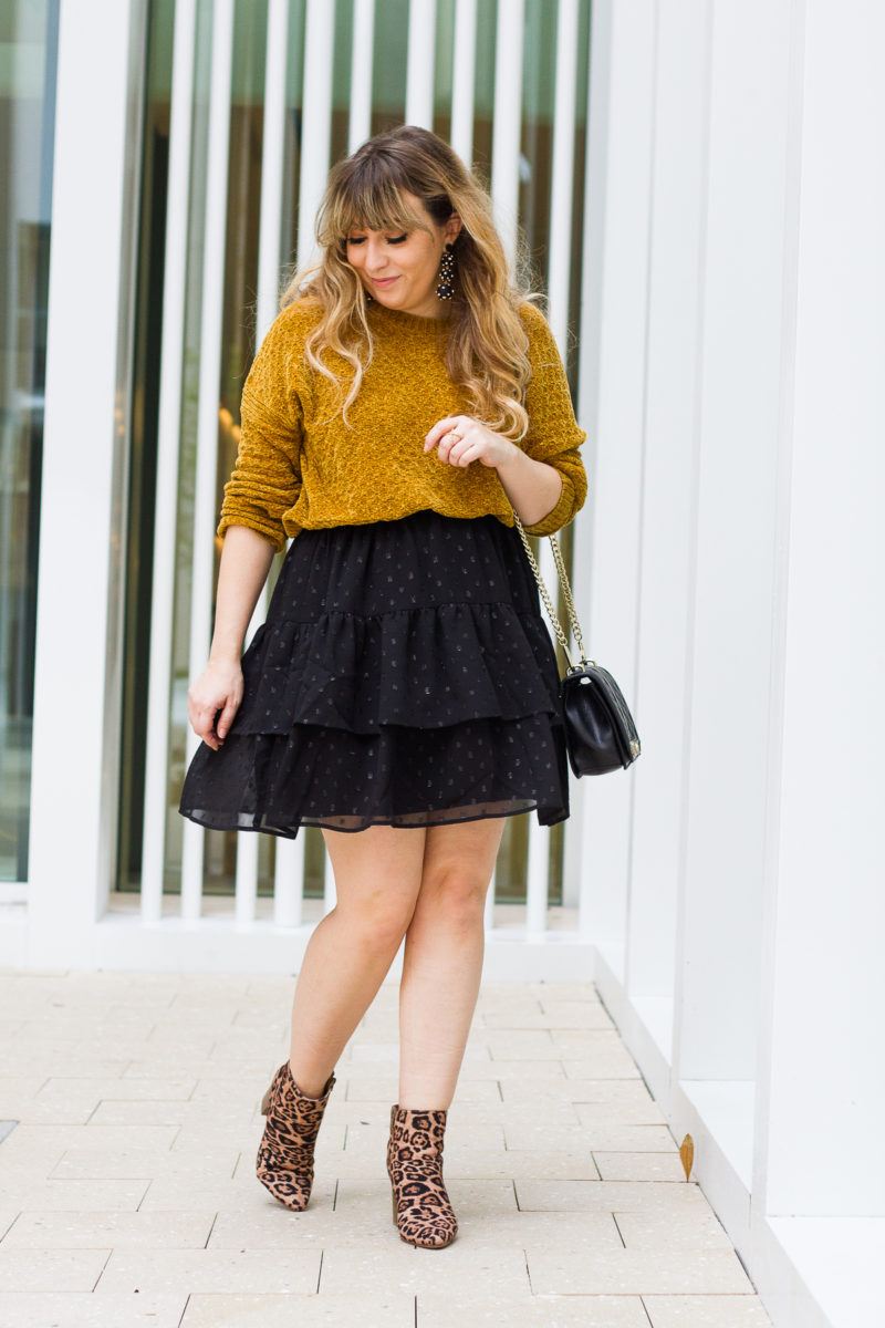 Cute sweater and skirt outfit idea
