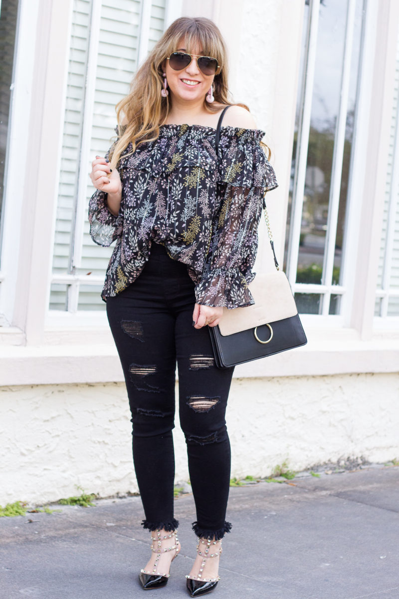 Distressed black jeans outfit