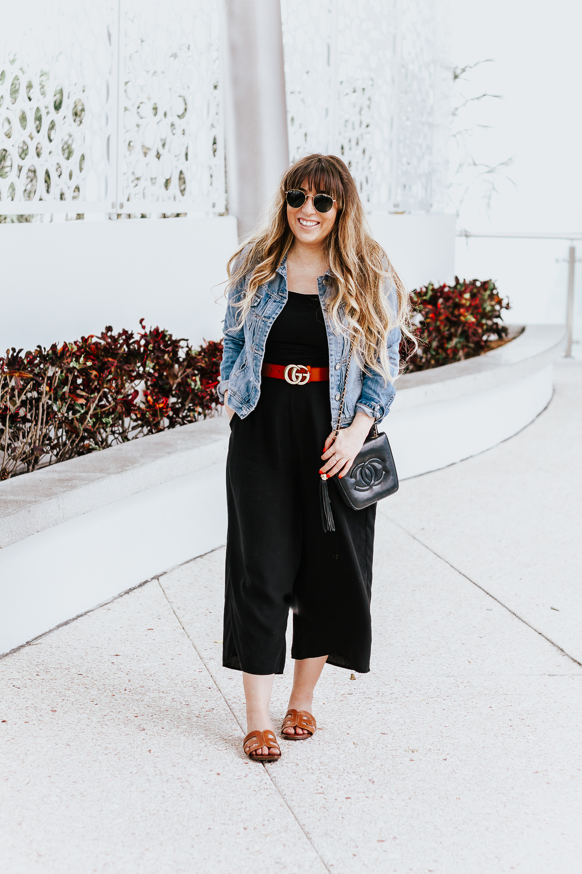 Black culotte jumpsuit outfit for spring-25