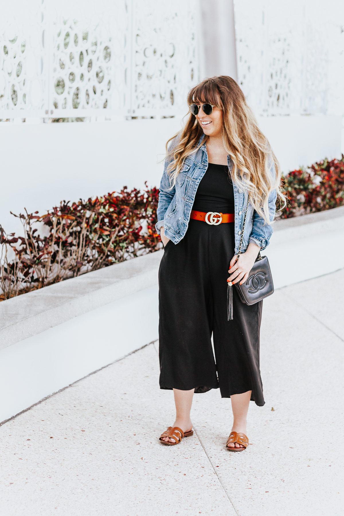 Black culotte jumpsuit outfit for spring-3