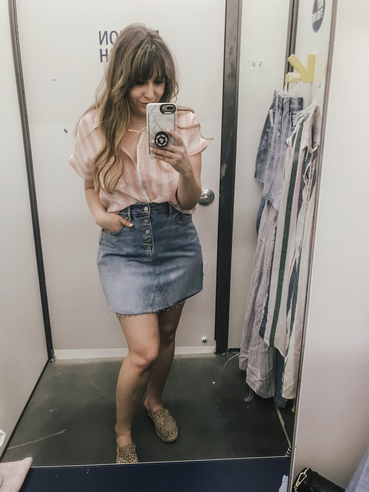 Old Navy denim skirt outfit idea